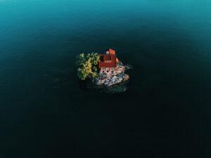 Το νησί Just Room Enough