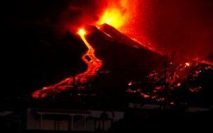 Έκρηξη ηφαιστείου στη Λα Πάλμα των Κανάριων Νήσων